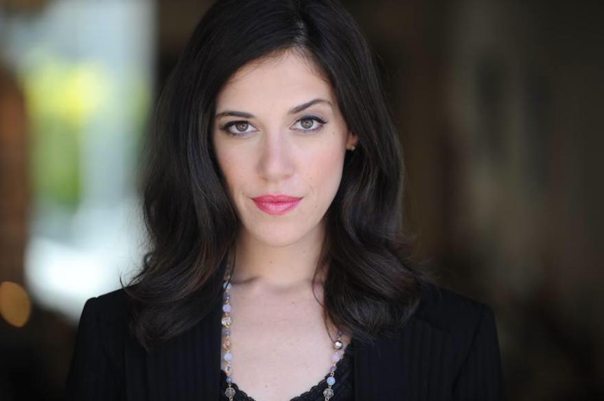 When Intelligence meets beauty, Amanda Steinberg of #DailyWorth